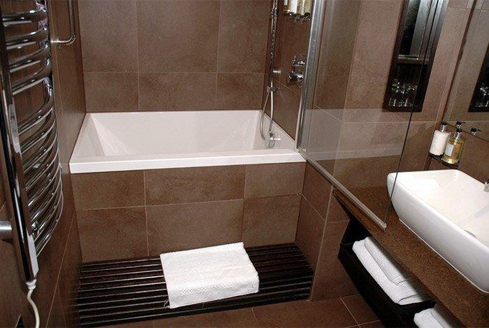 cải thiện phòng tắm chật hẹp