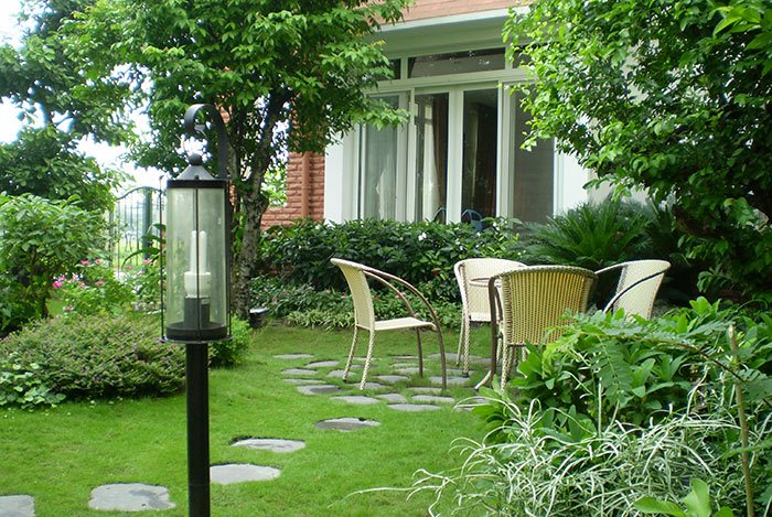 Nhà vườn với nhiều cây xanh